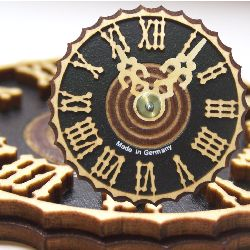 ziffernblaetter_Nr-H01B53N__90mm-ziffernblatt-holz-zeiger-holzzahlen-fuer-kuckucksuhren-schwarzwalduhren-cuckoo-clock