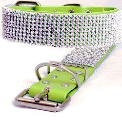 Artikel Nr-H67T58B-0__xs,-30mm-hundehalsband-mit-strass-9-reihig-in-schoenen-gruen.-9-reihig-gruen