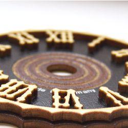 Artikel Nr-H01B36N-1__edles-70mm-kuckucksuhr-holz-ziffernblatt-mit-echten-aufgelegten-holzzahlen-cuckoo-clock